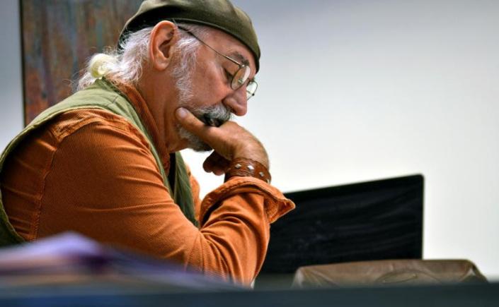 veteran doug delia reading